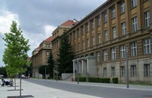 Realizace zálohovaného napájení pro VŠCHT Praha 1