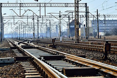 Silniční a železniční