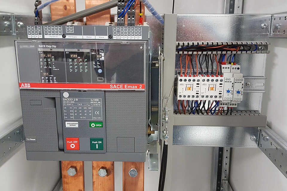 Integrovaná ATS v motorgenerátoru